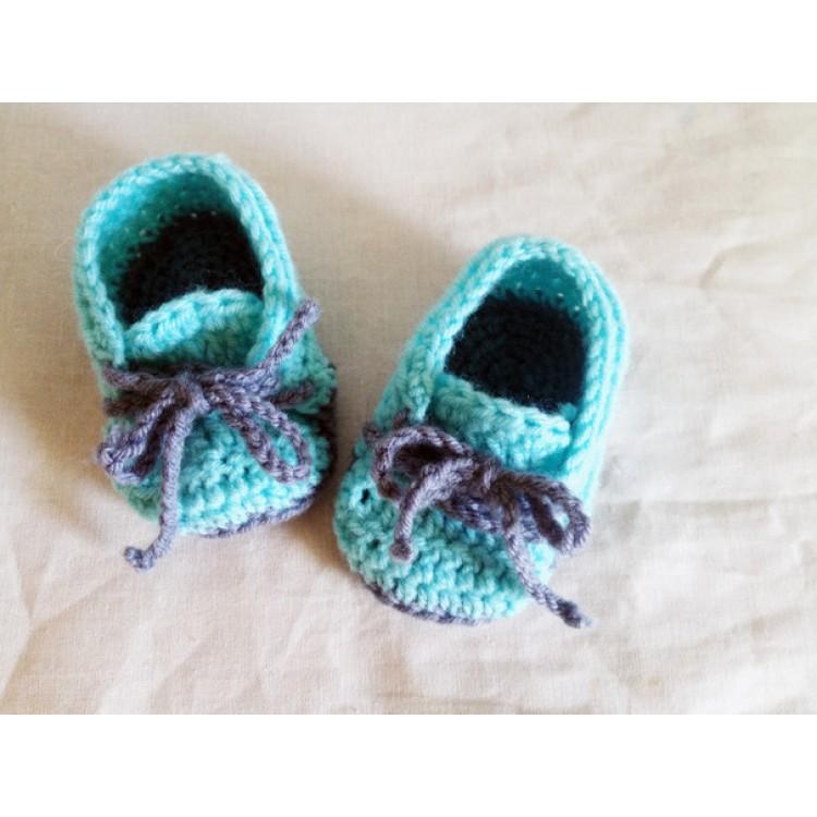 Вязаные пинетки кроссовки для мальчиков.