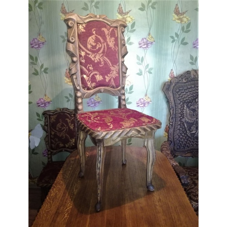 Резные дубовые стулья ручной работы