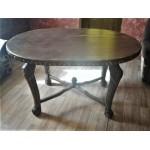 Дубовый резной столик ручной работы.
