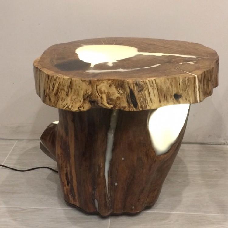 Светящийся столик из дуба